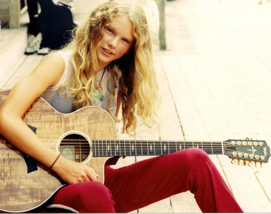 Taylor Swift 2001