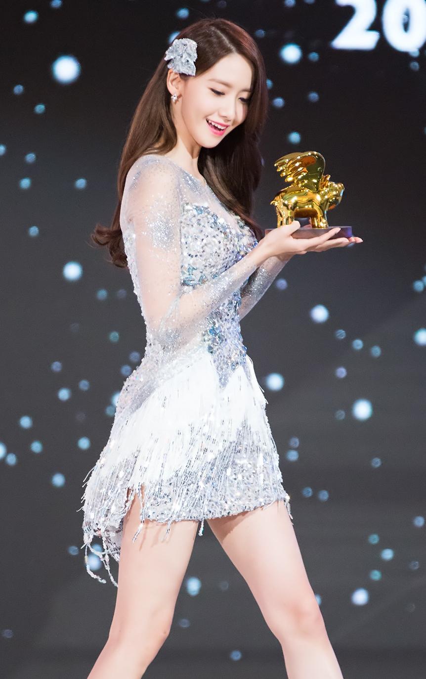 YoonA_at_Style_Icon_Asia_2016_01