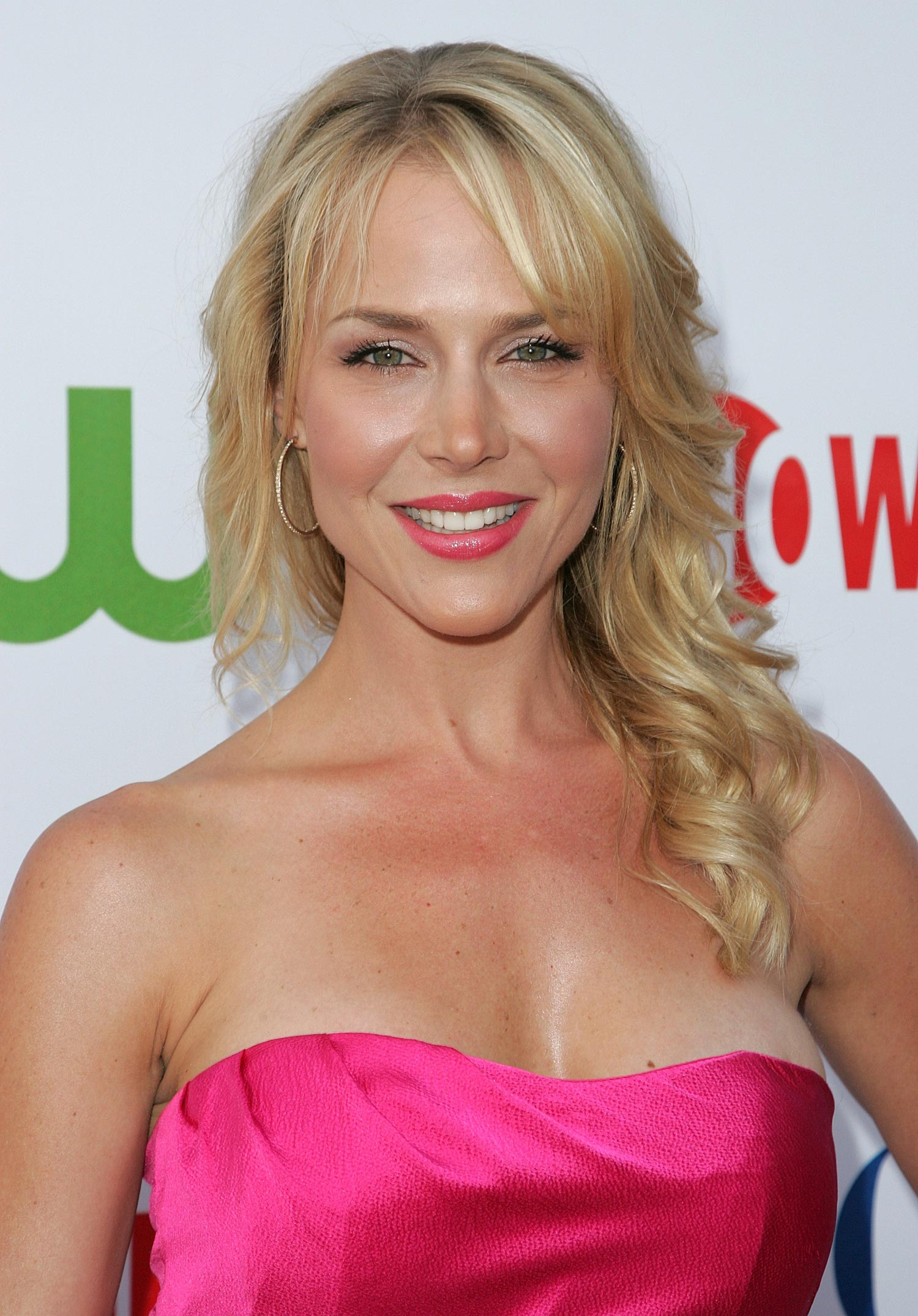 julie-benz-2008-cw-cbs-showtime