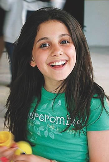 Young Ariana Grande as a child
