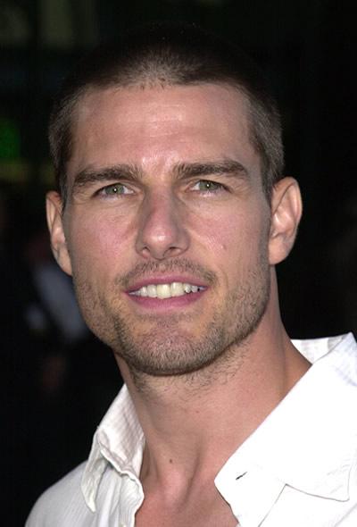 Tom Cruise 2001